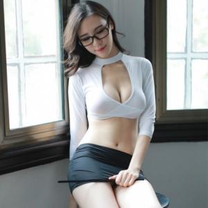 瑰若 性感教师深V齐臀魅惑制服内衣(货号:E5035)